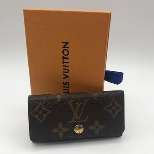 Authentic Louis Vuitton 4 key holder